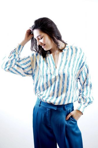 Julia June top Blanc femmes (JuliaJune-Blouse lignes - BRONX blouse lignée col V) - Marine | Much more than shoes