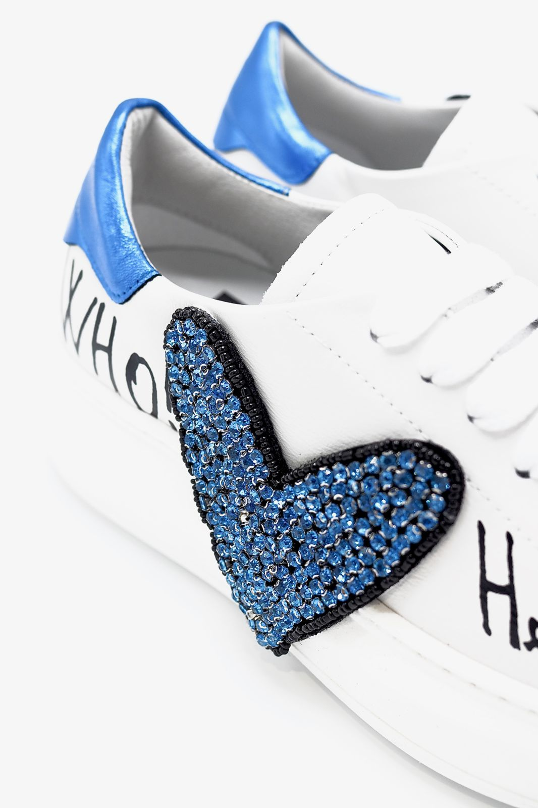 GIO+ basket bas Blanc femmes (GIO+-Coeur Bleu - G10 blanc + COEUR bleu strass) - Marine | Much more than shoes